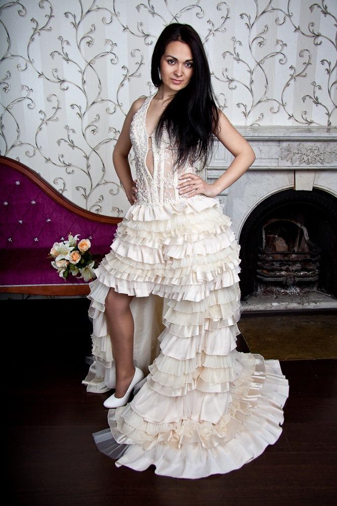 Короткие свадебные платья со шлейфом, короткие спереди длинные сзади