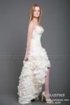 Короткие свадебные платья со шлейфом, короткие спереди длинные сзади.